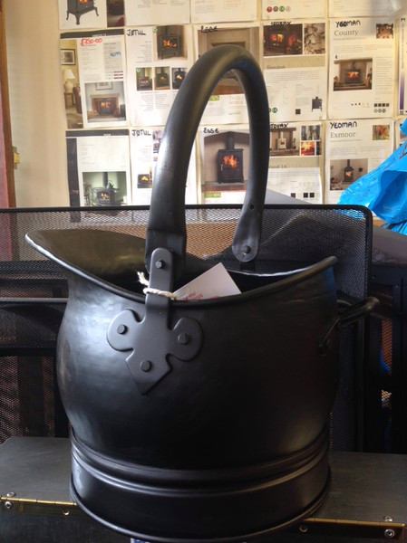 Salisbury small black bucket