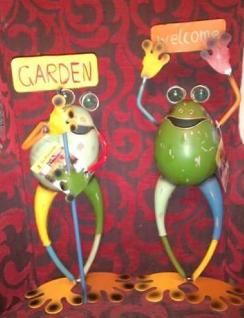 Pair of metal funky frogs